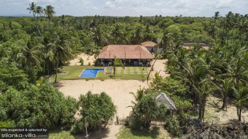 Aaloka Villa
